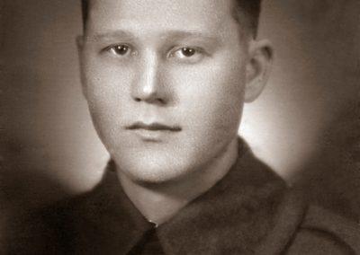 Arvo Eevertti Tiuraniemi synt.28.1.1916 kuoli 23.12.1939