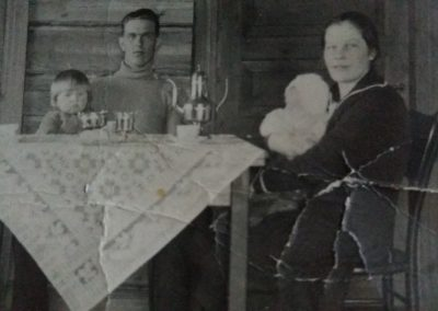 v.1929 Ville ja Olga Puro, lapset Olavi ja Reino